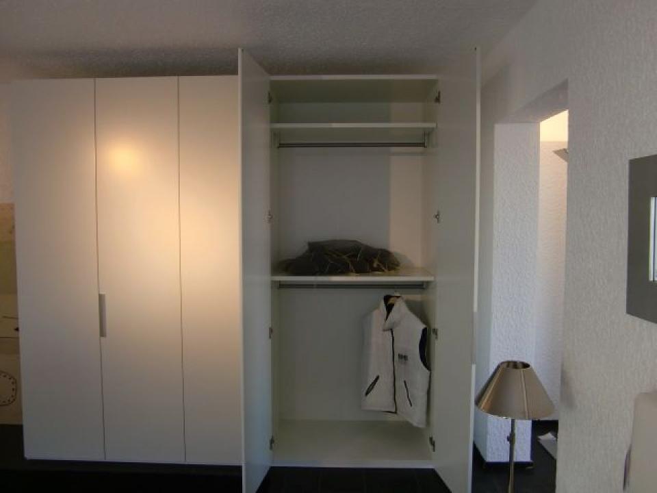 BASE von INTERLÜBKE - Kleiderschränke - PS Wohndesign